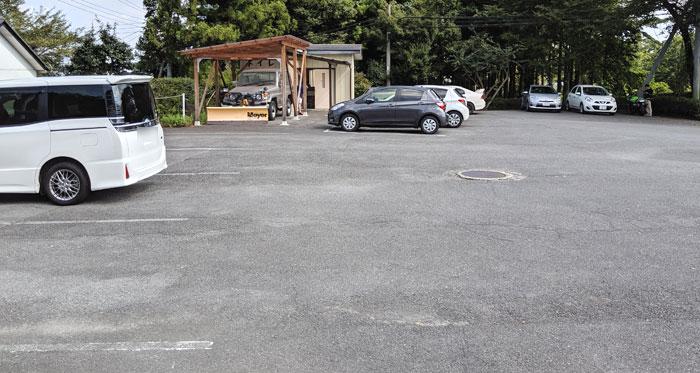 珍宝館の駐車場